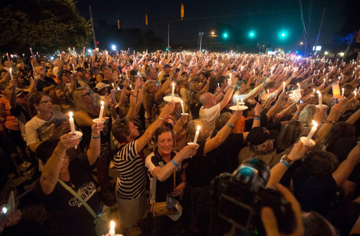 Hundreds of people came to mourn and celebrate Elvis  Presley on the fortieth anniversary of his death.