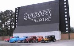 Drive in to Raleigh Road Outdoor Theatre