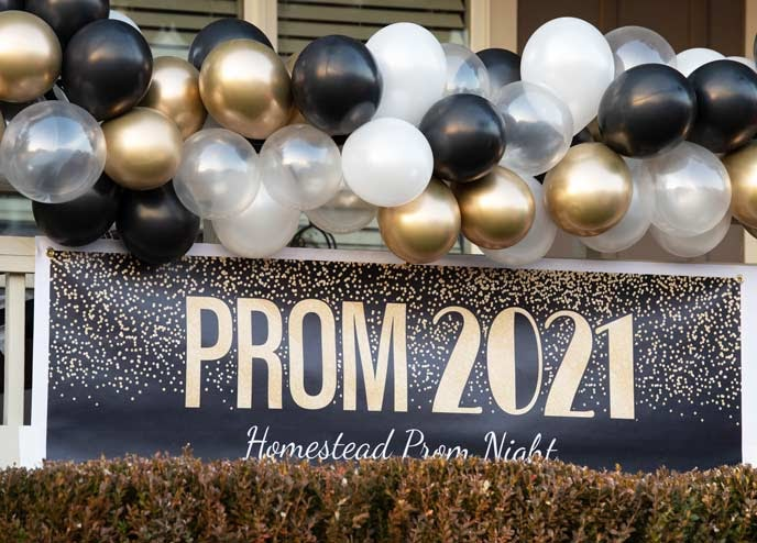 This year, seniors have had to get creative with their Prom celebrations